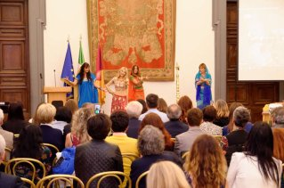 Shalimar Nur e le sue danze