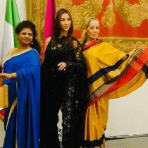 Modelle con in sari