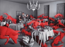Sandy Skoglund Fox Games, 1989 color photograph approx. image size cm 115.6 x 157.5 ca. Courtesy: Paci contemporary gallery (Brescia – Porto Cervo, IT)